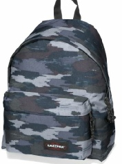 Eastpak-Padded-Pak-R-cam-night