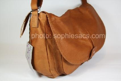 585be9e116 sac besace en cuir de vachette souple « sabrina »
